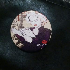 New Marilyn Monroe compac make up mirror